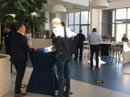 Netwerken bij inspiratiesessie 'de elektronische vrachtbrief' van Vijfsterren Logistiek met oa. Berend Jan Schuring